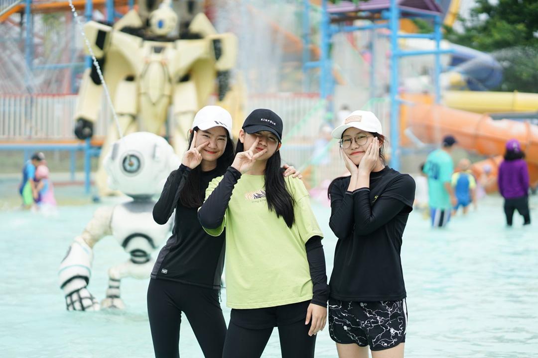 NIS-Summer-School-2019-Day-25-Tube-Trek-104