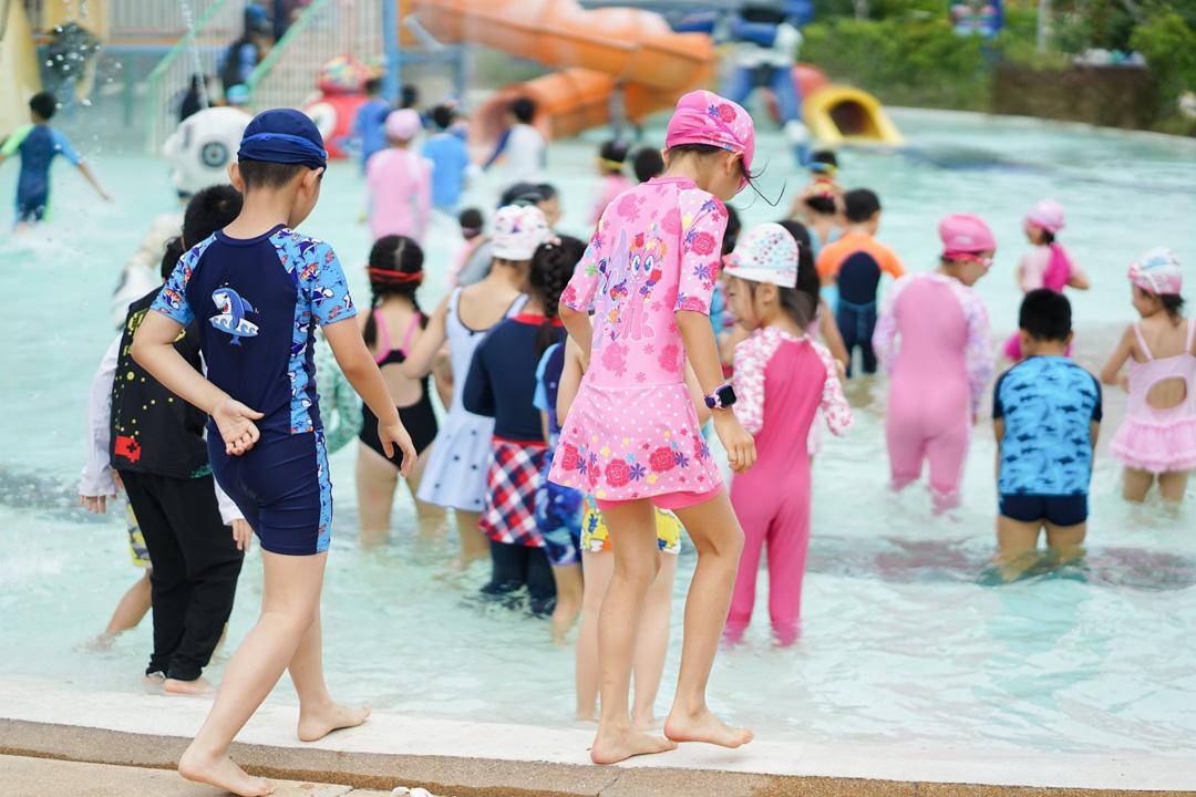 NIS-Summer-School-2019-Day-25-Tube-Trek-54
